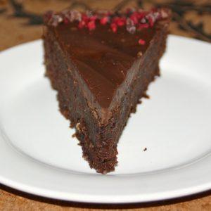 Daddelchokoladekage med ganache - på spidsen