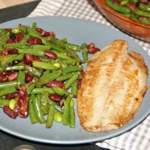 Trippel-bønnesalat med bacon og tranebær - servering 1