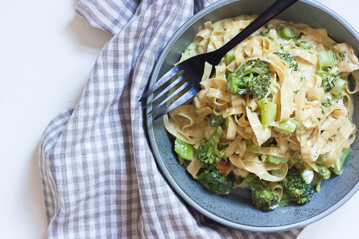 pasta-alfredo-kylling-broccoli-2